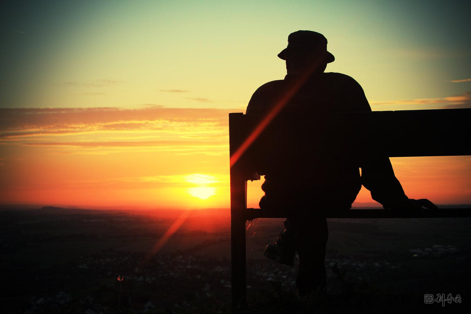 old_man_sunset_by_thelifeinfocus-d5f5g8t.jpg